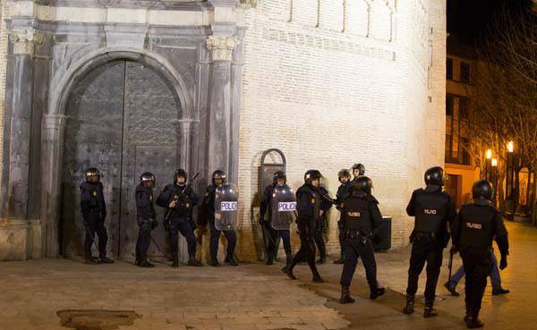 plaza-madalena-policia